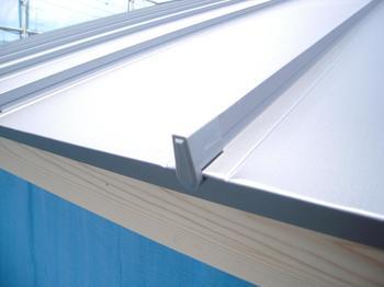 ガルバリウム鋼板立てハゼ葺き (6).jpg
