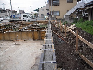 立上りコンクリート打ち.jpg